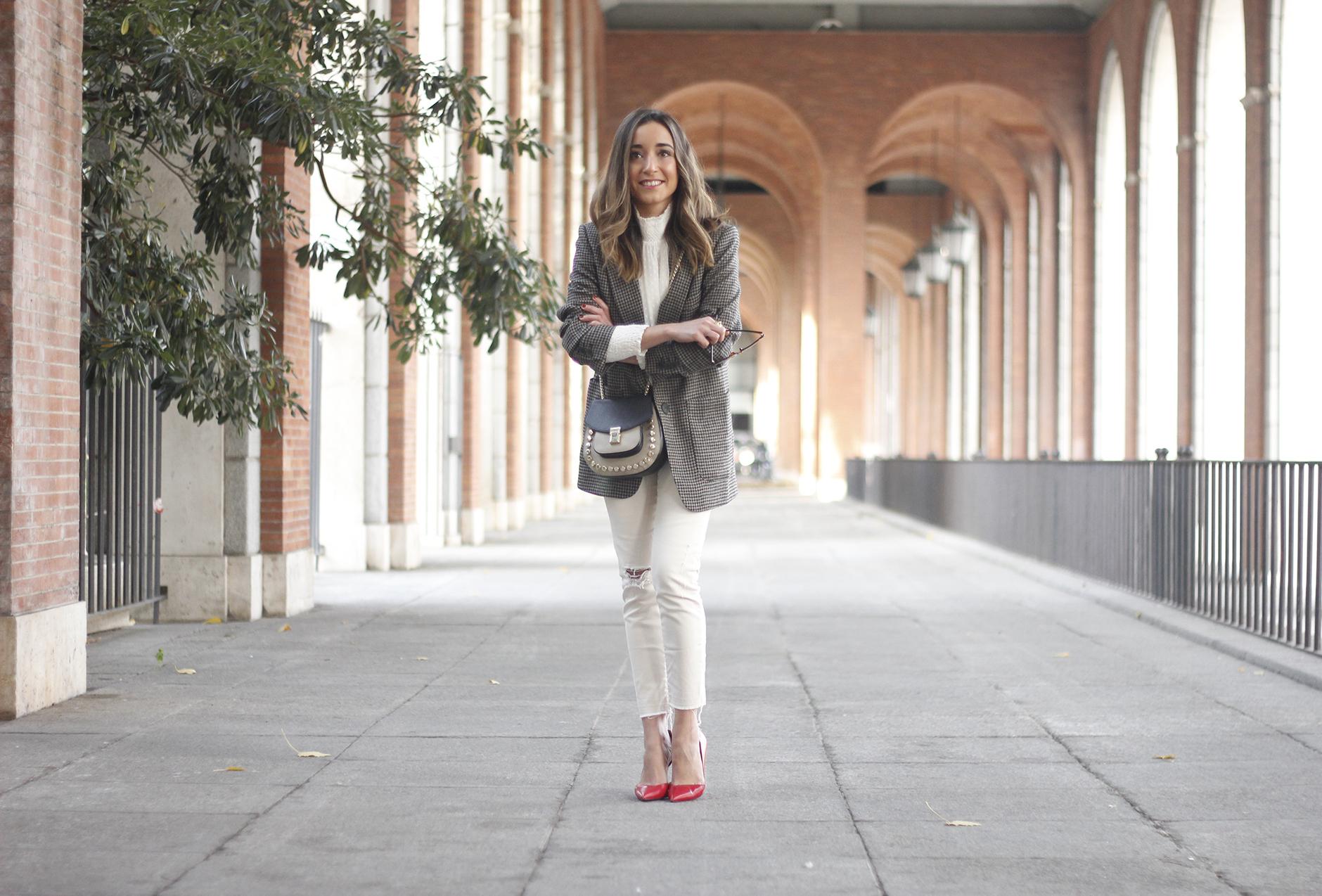 Plumeti blouse houndstooth blazer white jeans outfit style streetstyle18