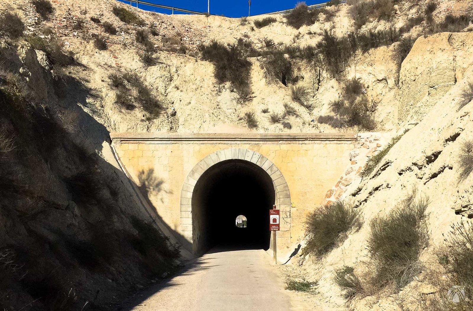 El primero de los túneles