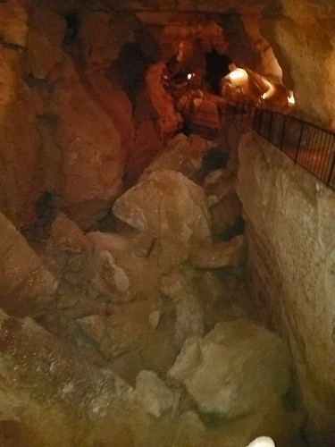 caverns caves sonora texas tx underground rock formations stalagtites stalagmites suttoncounty