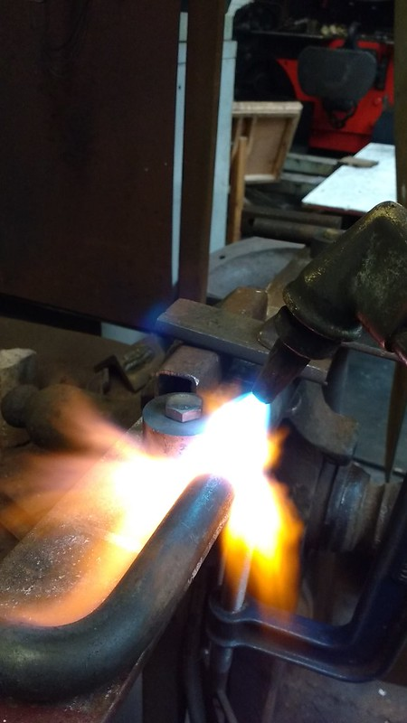 Heating 20mm bar prior to bending