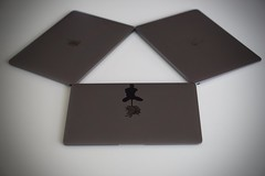 Triple MacBook : Illuminati Confirmed