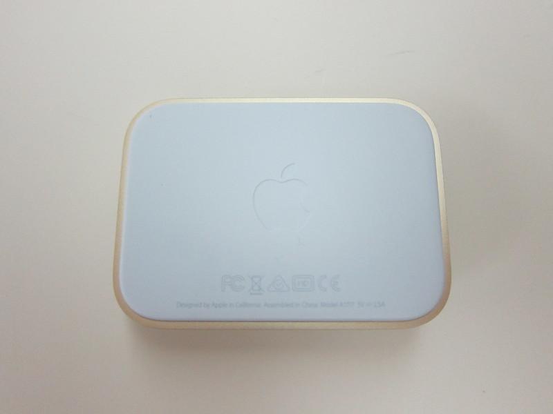 Apple iPhone Lightning Dock (Gold) - Bottom