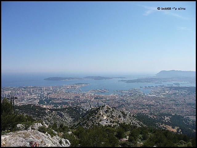 מבט מ- Mont Faron ל- Toulon ב-פרובאנס