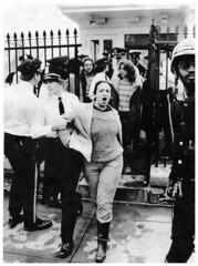 El Salvador protest results in arrests at the White House: 1984