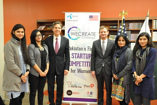 Deputy Secretary Blinken Poses for a Photo With Women Entrepreneurs From the WECREATE Center in Islamabad