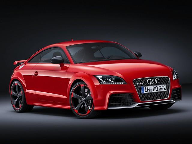 Спортивное купе Audi TT RS plus. 2012 год