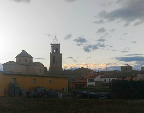 El #skyline de mi pueblo #igerszgz #igersaragon #nubes #clouds #cloudy #nuboso #horizonte #iglesia #church #Huesca #aragon