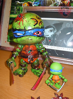 "tOkKustom :: LOYAL SUBJECTS 'Katana Lobotomy' LEONARDO xxi / ..with standard 3"" LEONARDO; GAMESTOP NES color variant"