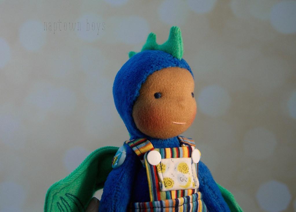 "Easton, 8"" Blue & Green Napling Dragon"