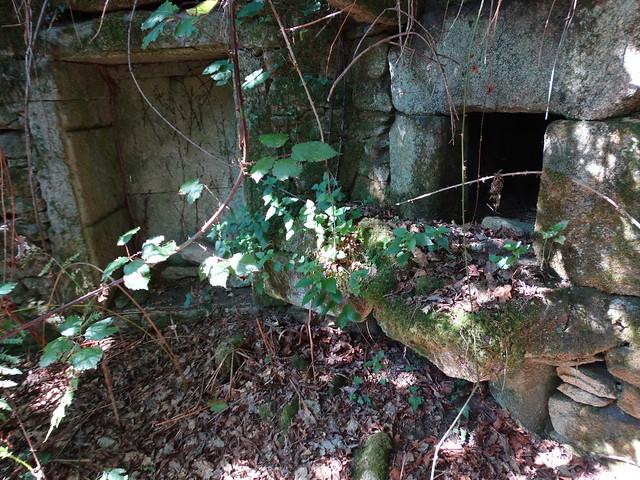 Horno de la Aldea abandonada de Vichocutín en Cerdedo