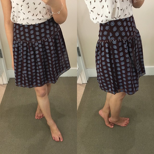 LOFT Spotted Shirred Skirt, size 00 regular