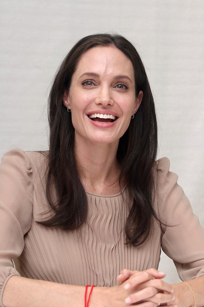 Анджелина Джоли — Пресс-конференция «Лазурный берег» 2015 – 71