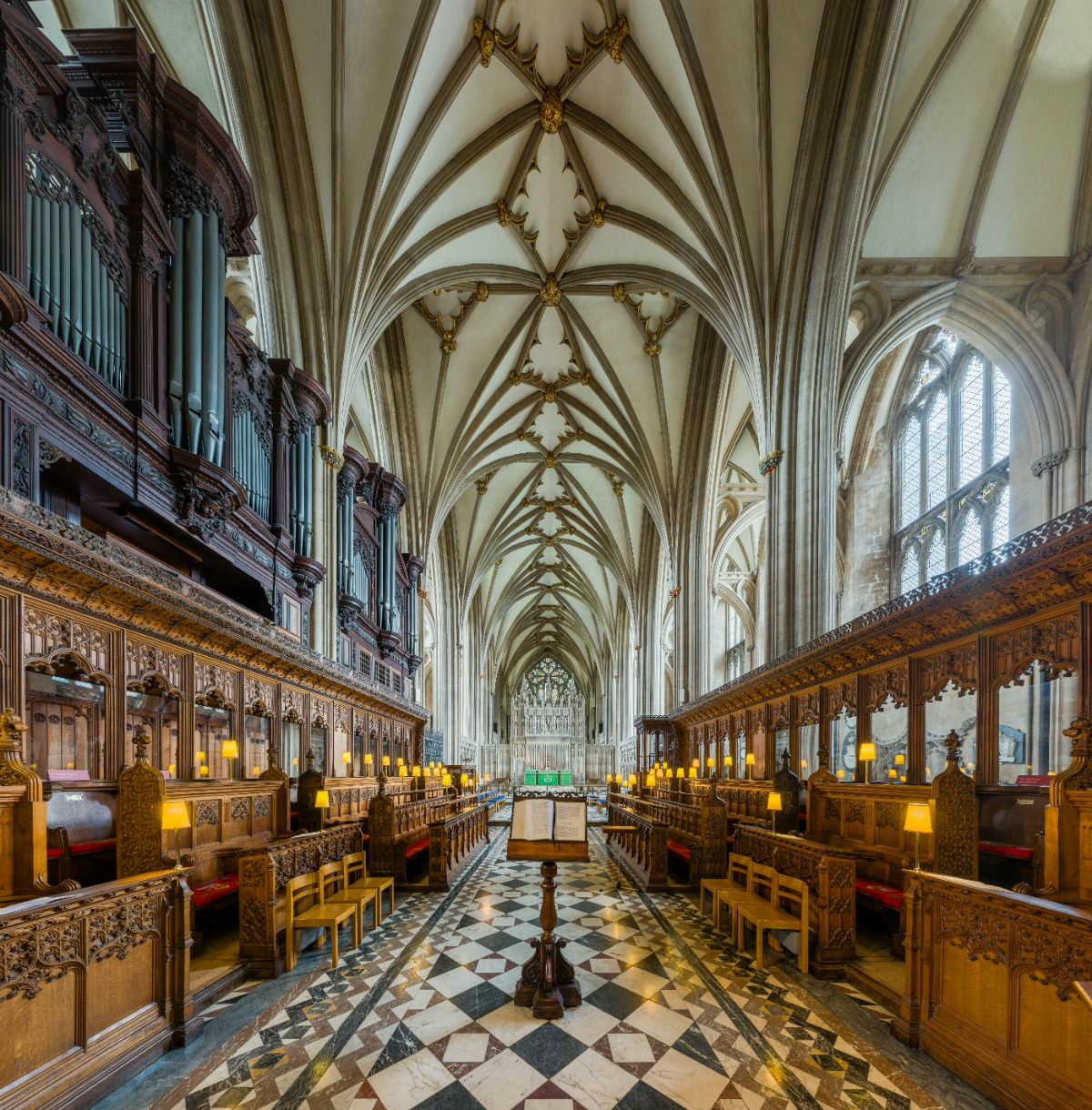 Vaulting of the choir. Credit: David Iliff
