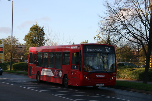 Metroline DE876 on Route 324, Queensbury
