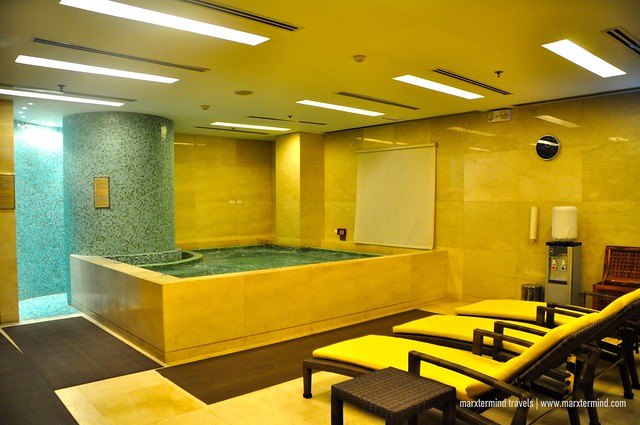 Jacuzzi at Manila Marriott Hotel