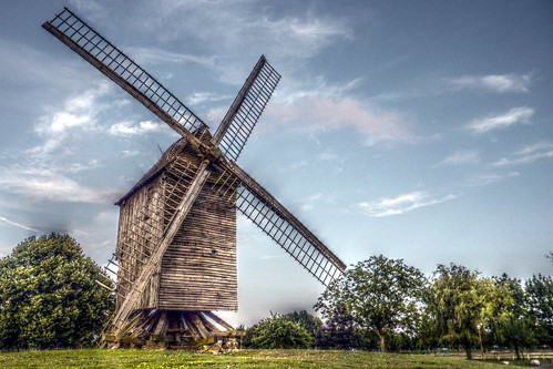St Maxent windmill