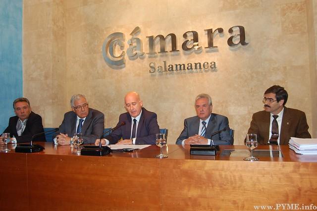 Mesa de comparecientes en la rueda de prensa convocada por la Cámara de Comercio de Salamanca el 22 de septiembre de 2015.