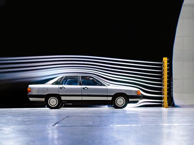 Седан Audi 100 C3. 1982 – 1987 годы
