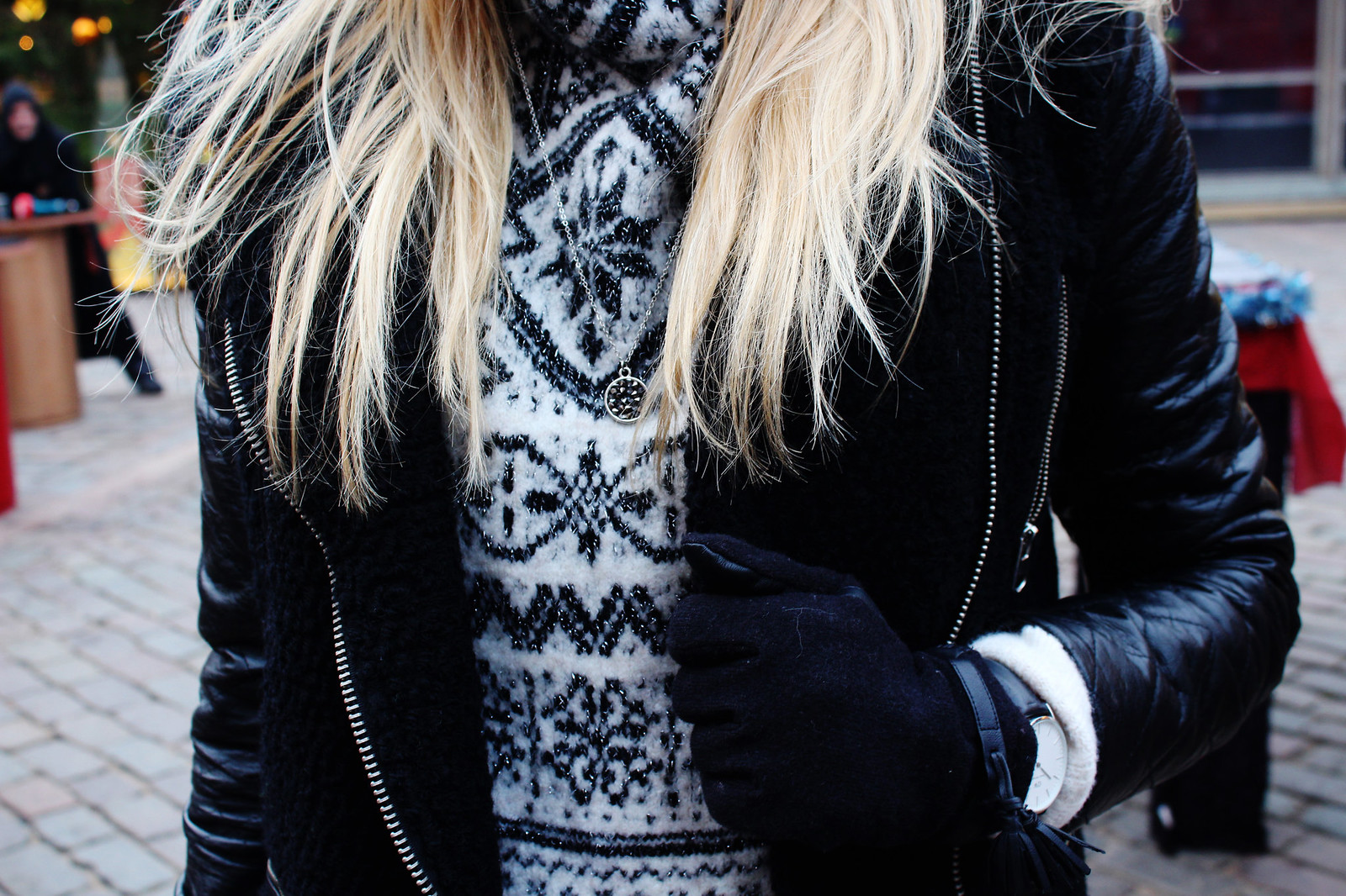 Details of a winter outfit