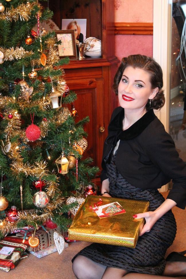 1950s christmas vintage outfit via lovebirdsvintage.co.uk