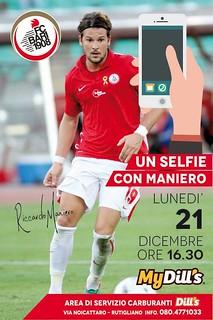 """Rutigliano-Riccardo Maniero ospite del """"My Dill's"""" di Rutigliano-Un selfie con Maniero"""