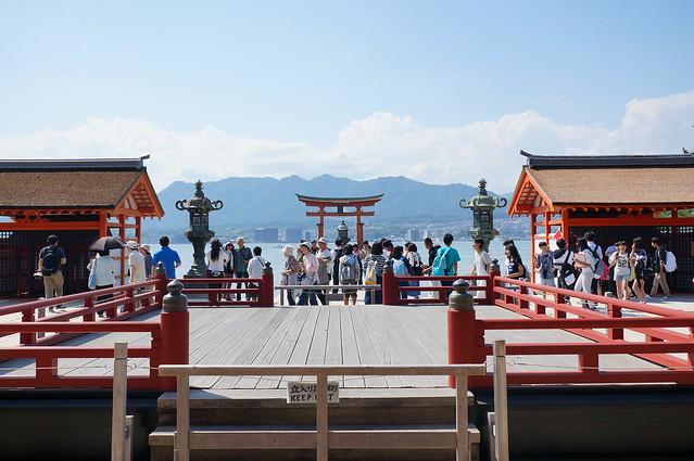 厳島神社高舞台