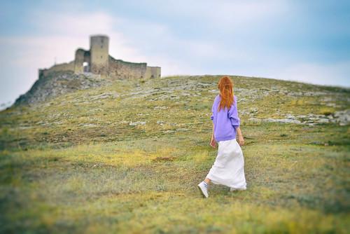 Cetatea_Enisala_lavender_sweater (5)