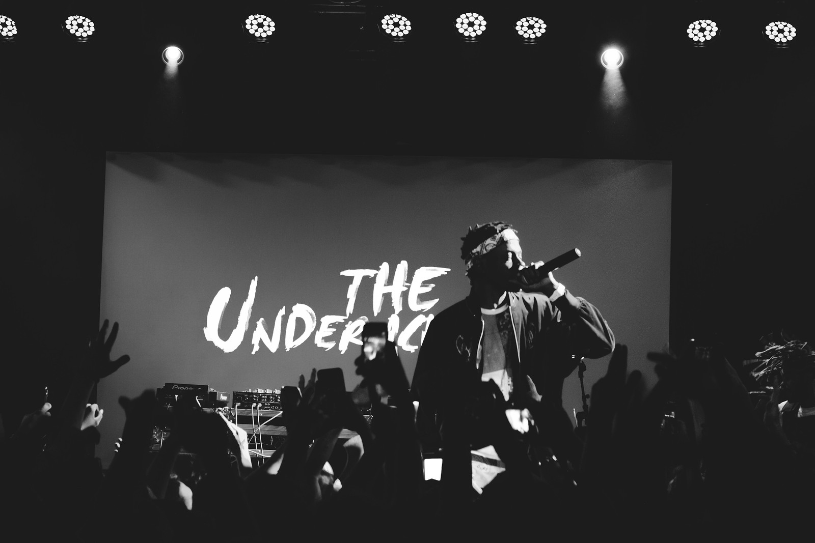 Underachievers 8 at The Waiting Room