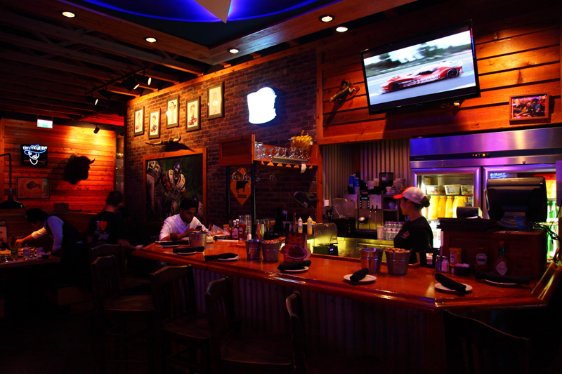 Texas-Roadhouse-Bar