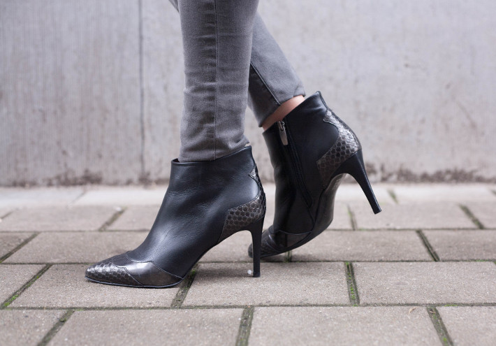 Zinda pointy toe stiletto boots