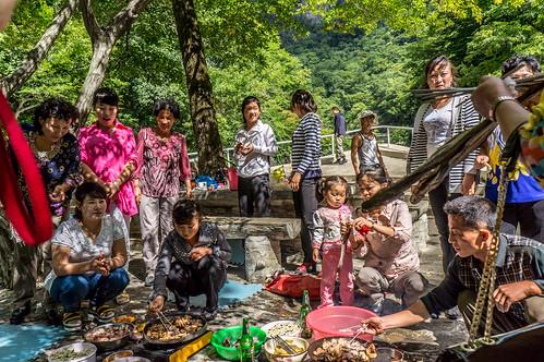 picnic bbq kp northkorea dprk nordkorea kangwŏndo ulimwaterfalls
