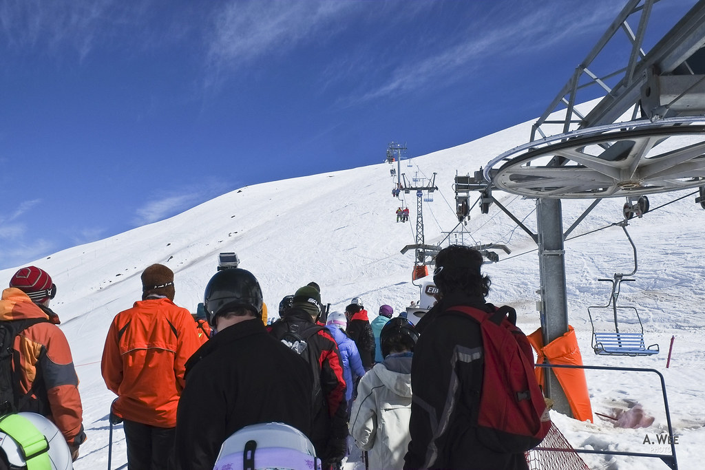 Queueing for the Embalse chairlift