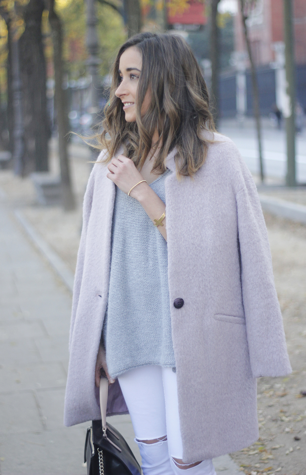 Tintoretto Pink Coat white jeans grey sweater outfit04