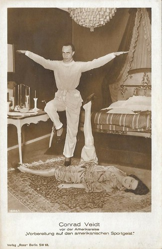 Conrad Veidt, preparing for his American trip