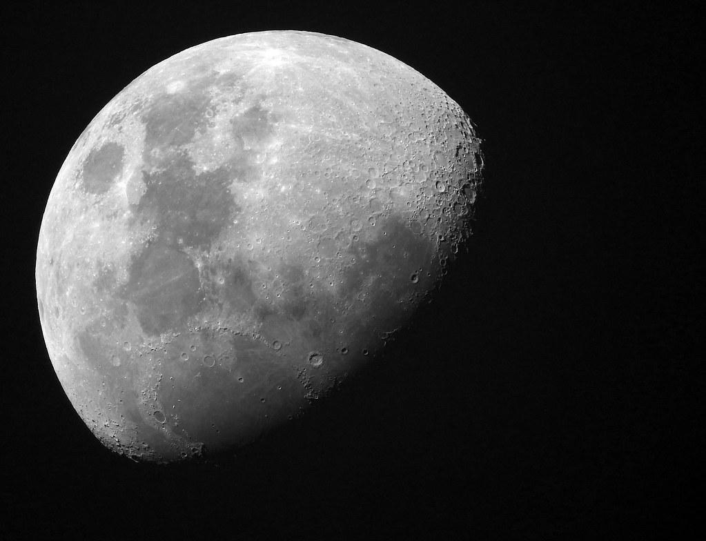 Moon with Nikon P900