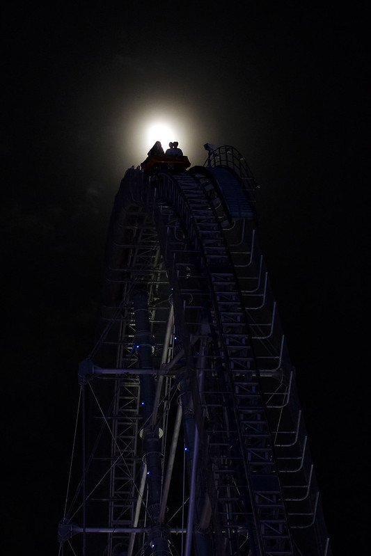 Rollaercoaster and the Moon