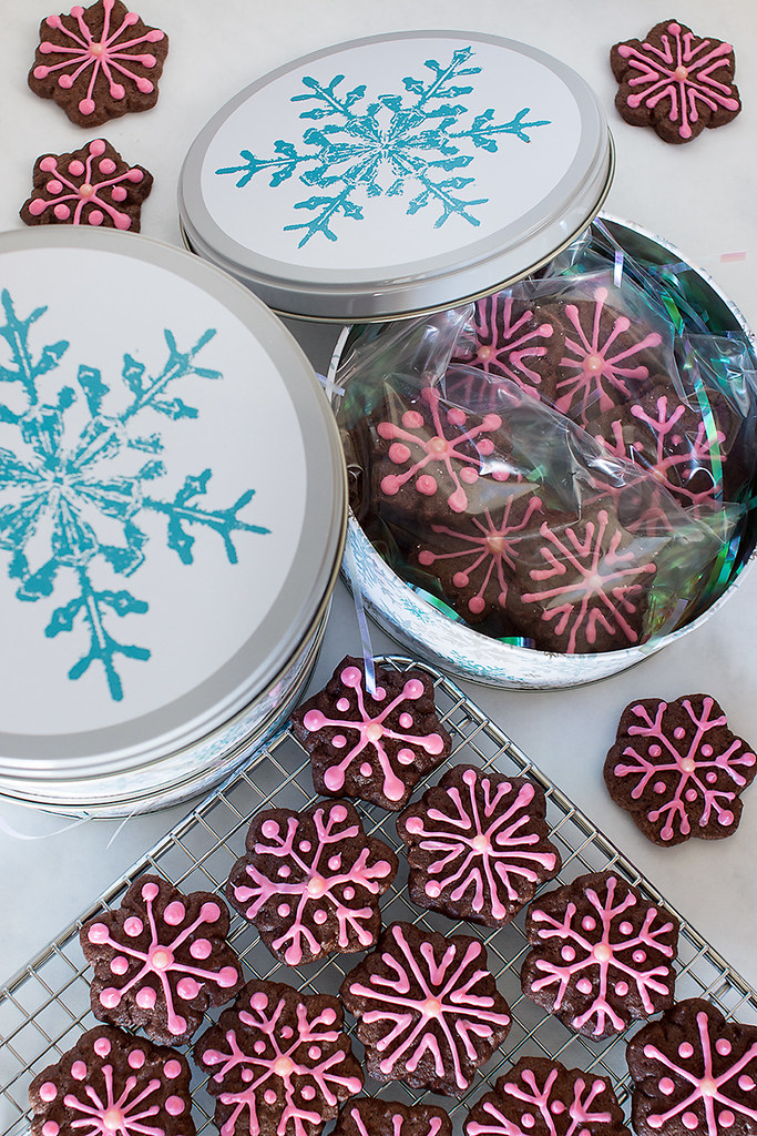 Pink Peppermint Chocolate Snowflake Cookie recipe inspired by the #fbcookieswap and #prayersforkaelyn