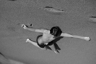 Image of Playa Montoya Sandy beach. arena bagatelle beach blackwhite body bw canon canon5dmkiv cuerpo jikatu maldonado playa puntadeleste relax relaxation uruguay zeiss zeissmakroplanart2100 zemakroplanar makroplanart2100 people g