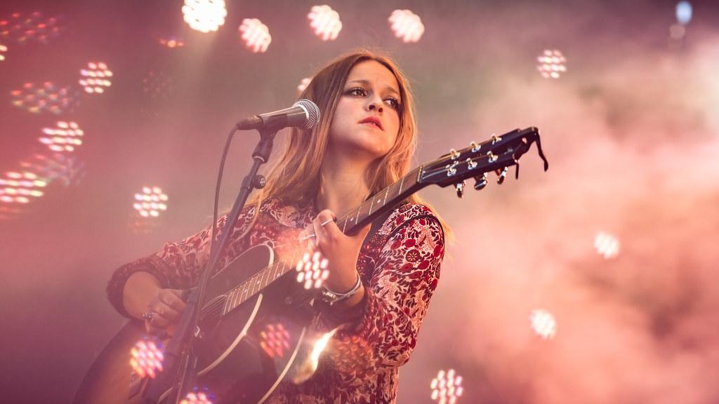 Siri Nilsen, Øyafestivalen 2015. Foto: Kim Erlandsen, NRK P3