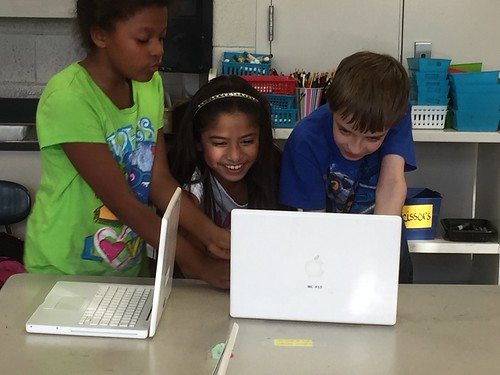 MM@Mitchell 28oct2015 4th grade Hour of Code. 4th graders pledged not to ask for adult help and to pitch in to help each other!