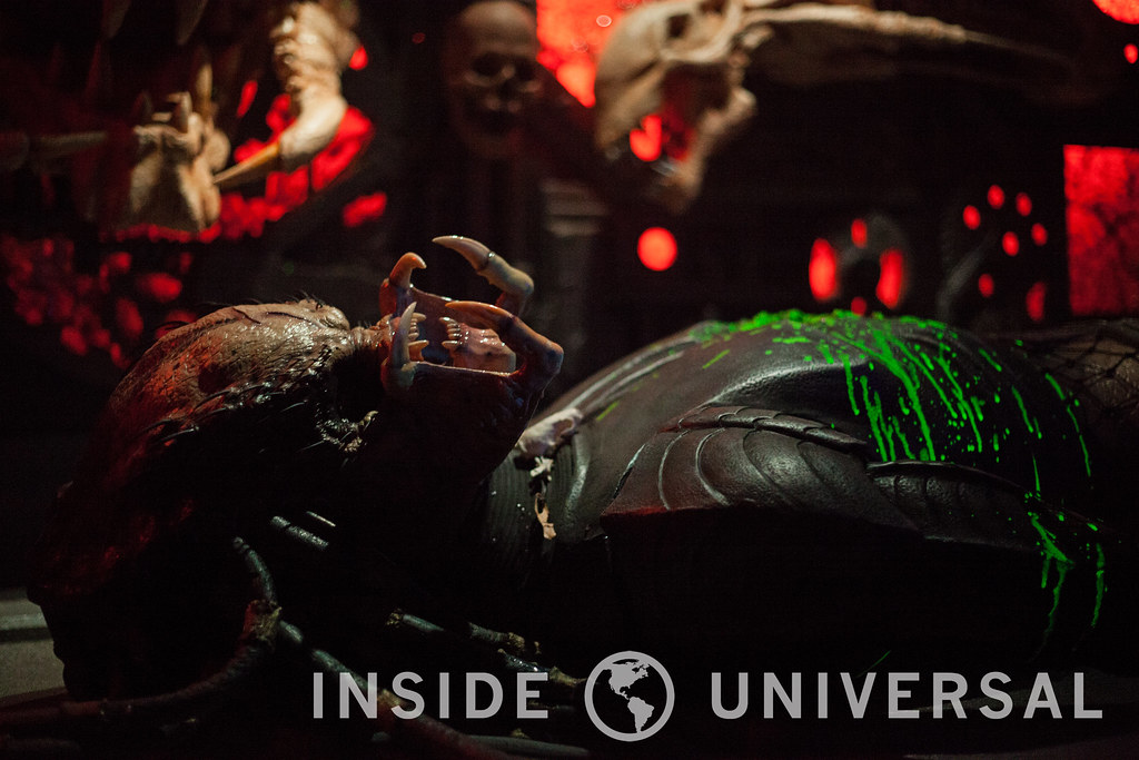 AVP: Alien versus Predator – Halloween Horror Nights 2015 at Universal Studios Hollywood