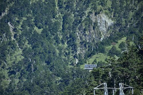 能高越嶺步道-光被八表回天池山莊