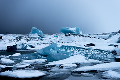 a large mass of ice that formed on land