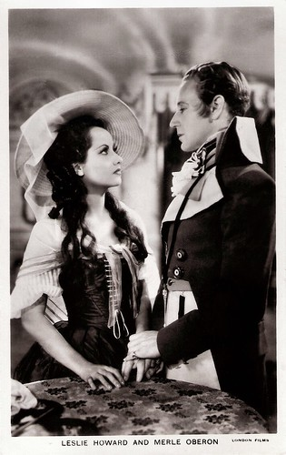 Leslie Howard and Merle Oberon in The Scarlet Pimpernel (1934)