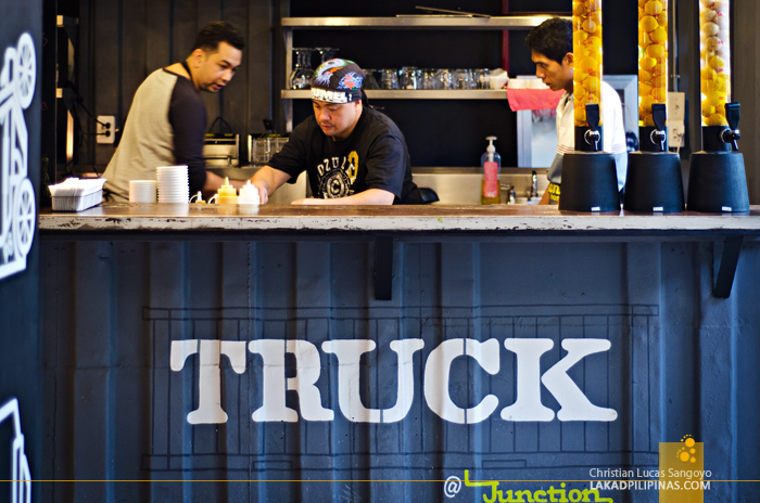 Truck Junction Hostels Restaurant