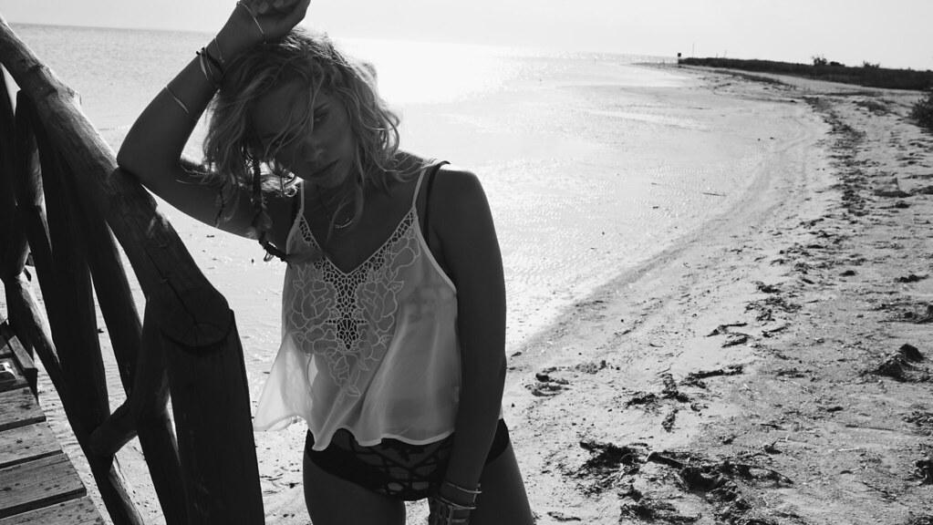 Эшли Бенсон — Фотосессия для «Find Your California» 2015 – 87