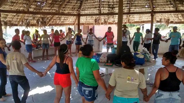 Comunidade de Tremembé da Barra do Mundaú durante celebração - Créditos: Camila Garcia