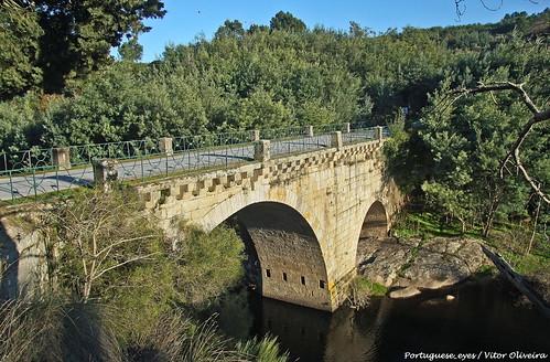 Ponte sobre o Rio Mondego - Portugal