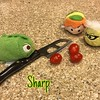 March 28: Sharp - Pascal taught Peter and Roz how to cut tomatoes with a sharp knife! #day28 #march #spring2017 #fmspad #photochallenge #tsumtsum #peterpan #pascal #roz #fms_sharp