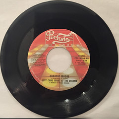 DOROTHY MOORE:JUST CAME APART AT THE DREAM(RECORD SIDE-B)